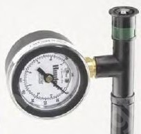 Nyomásmérő fúvókamenetes adapterrel